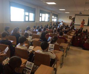 Marta Castellote presents the LIFE-Photoscaling Comic in Colegio Valdefuentes