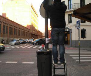 Installation of passive air sampling tubes in Madrid
